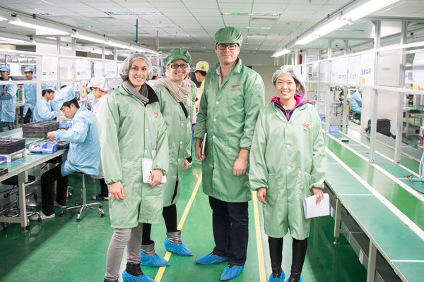 fairphone-assembly-team-women-of-green