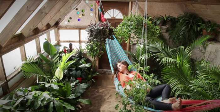 the-greenhouse-of-the-future_hammock_1_women_of_green