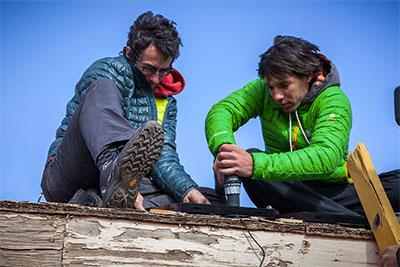 navajo-solar_installation_honnold-foundation_women_of_green
