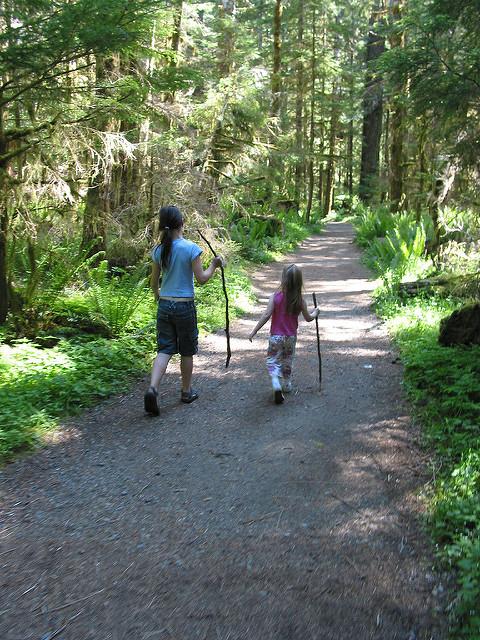 kids_hiking_ADHD_women_of_green