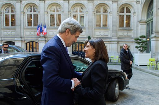 Paris_Mayor_Hidalgo_Welcomes_Secretary_Kerry_to_Paris_City_Hall